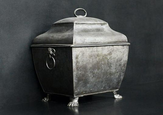 A Regency style coal bucket