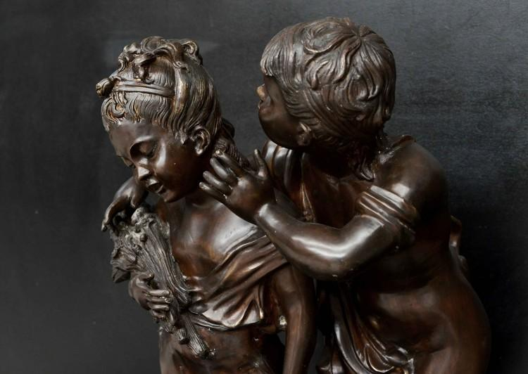 A LARGE BRONZE SCULPTURE BY WELL KNOWN PARISIAN ARTIST AUGUST MOREAU-Detail2