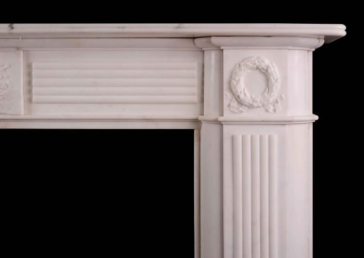 A LARGE ENGLISH PERIOD REGENCY FIREPLACE IN STATUARY MARBLE-Detail1
