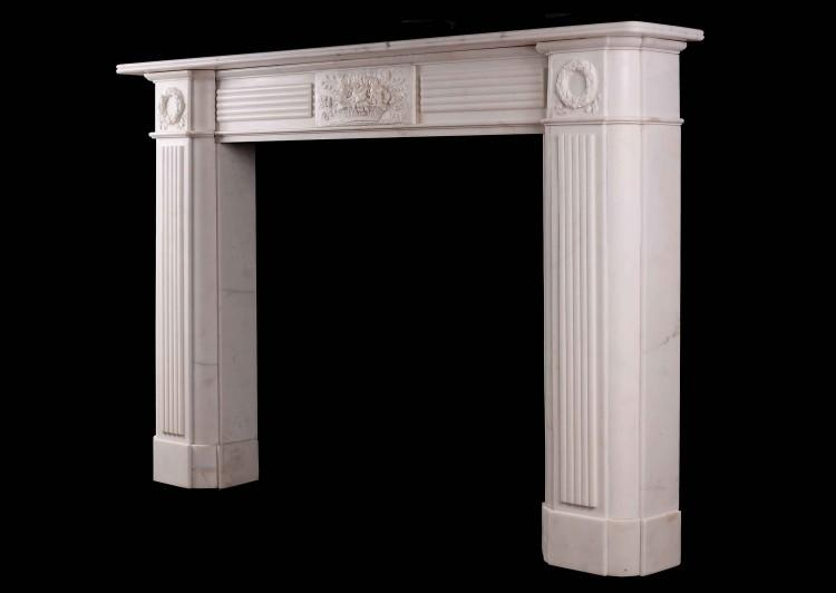 A LARGE ENGLISH PERIOD REGENCY FIREPLACE IN STATUARY MARBLE-Detail3