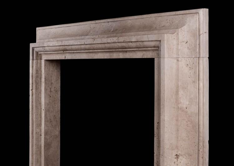 A STYLISH ITALIAN FIREPLACE IN TRAVERTINE STONE-Detail2