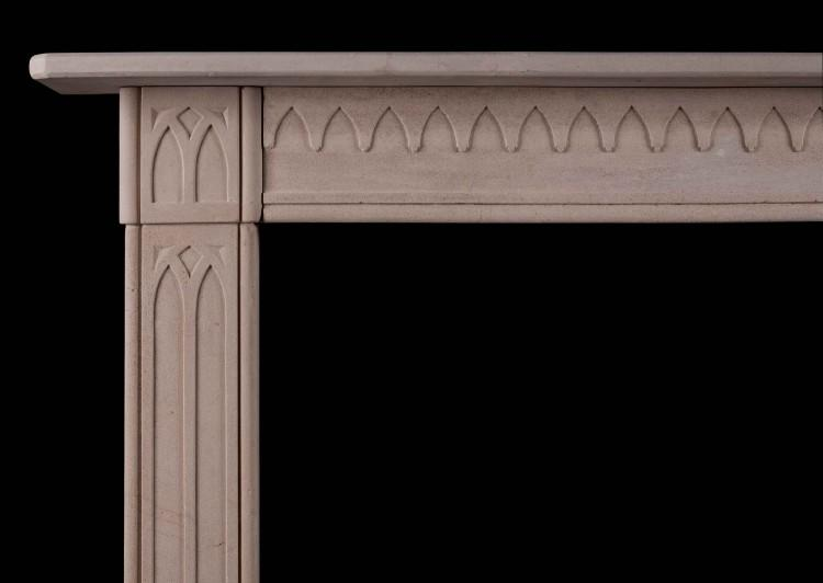 A LATE GEORGIAN ENGLISH LIMESTONE FIREPLACE IN THE GOTHIC STYLE-Detail1