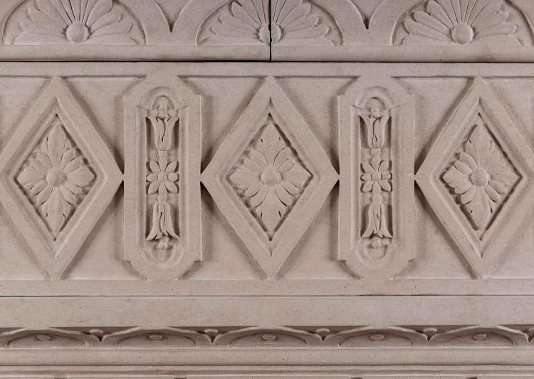 A LARGE ITALIAN LIMESTONE CHIMNEYPIECE WITH CLASSICAL GREEK KEY MOTIF-Detail4