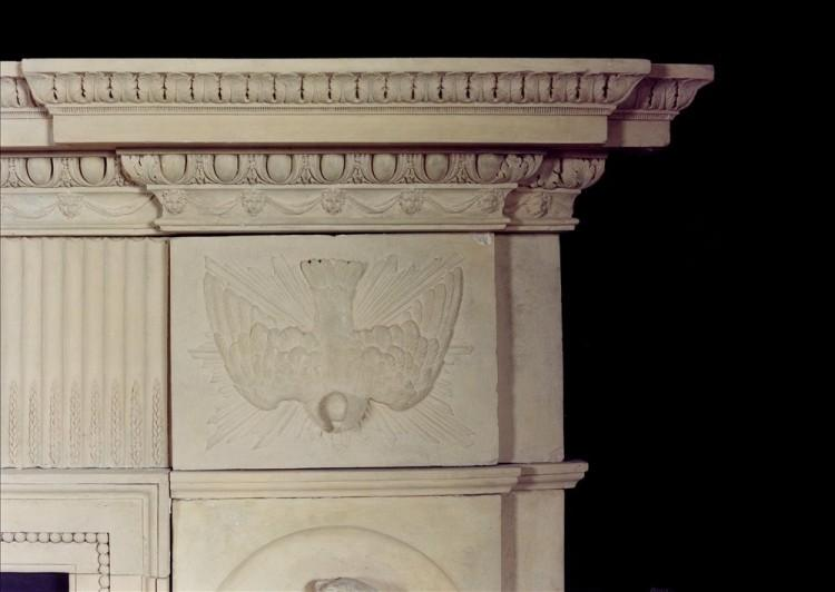 A RARE AND BEAUTIFUL ENGLISH COADESTONE FIREPLACE, CIRCA 1790-Detail5