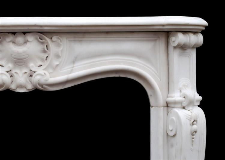 A PETITE FRENCH LOUIS XV STYLE STATUARY MARBLE FIREPLACE-Detail2