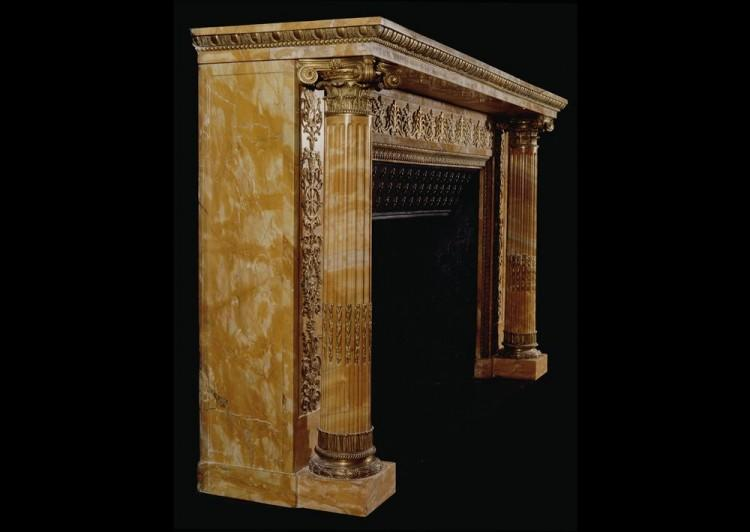 AN IMPORTANT EARLY FRENCH NAPOLEONIC EMPIRE SIENNA MARBLE FIREPLACE-Detail3