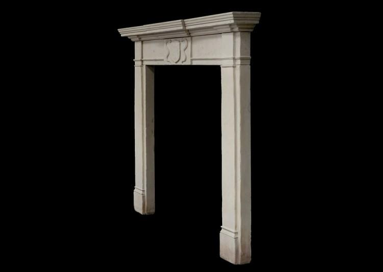A 19TH CENTURY ENGLISH LIMESTONE FIREPLACE-Detail2