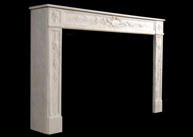 AN 18TH CENTURY FRENCH LOUIS XVI VEINED WHITE MARBLE FIREPLACE-Detail2