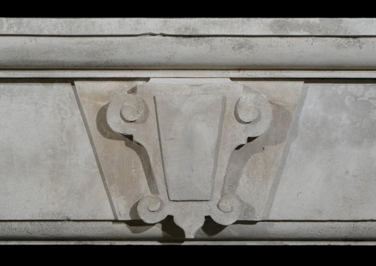 A LARGE 19TH CENTURY ENGLISH LIMESTONE FIREPLACE-Detail3