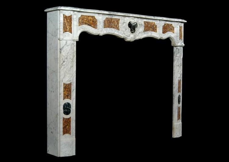 AN 18TH CENTURY FRENCH PROVENCAL CARRARA MARBLE FIREPLACE-Detail3