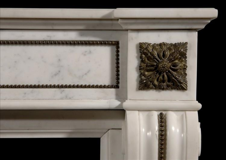 A LOUIS XVI STYLE STATUARY CHIMNEYPIECE WITH BRASS ORMOLU EMBELLISMENTS-Detail2
