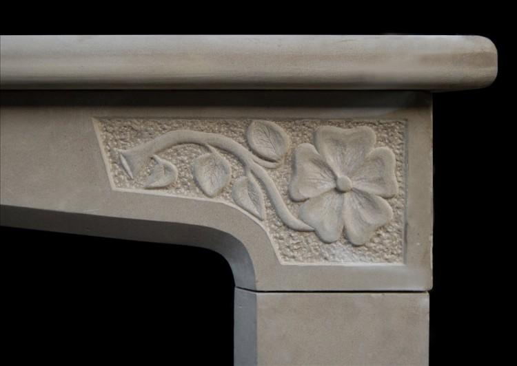 A 20TH CENTURY LIMESTONE ENGLISH FIREPLACE IN THE TUDOR MANNER-Detail1