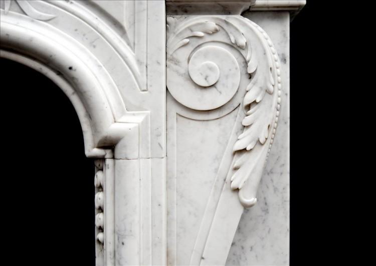 AN ATTRACTIVE LOUIS XIV STYLE CARRARA MARBLE CHIMNEYPIECE-Detail4