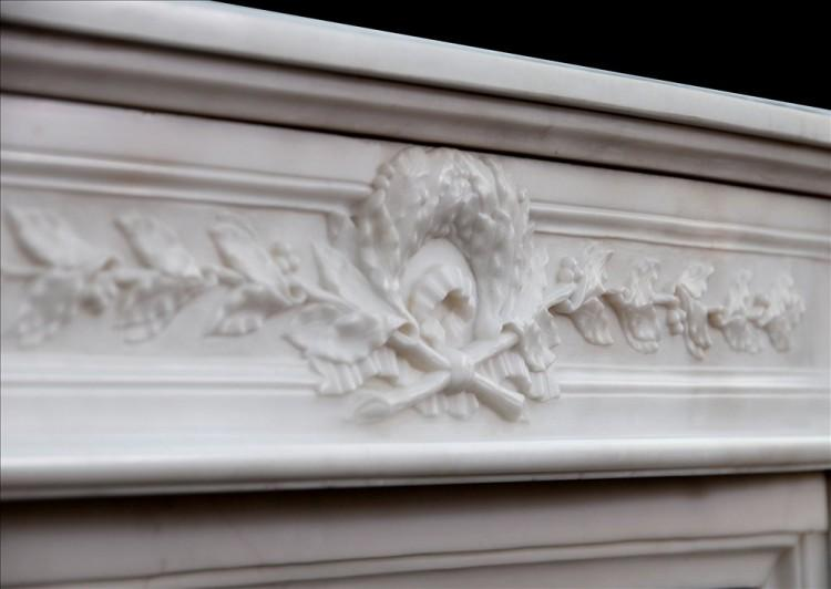 A FINE QUALITY FRENCH LOUIS XVI STYLE STATUARY MARBLE CHIMNEYPIECE-Detail4