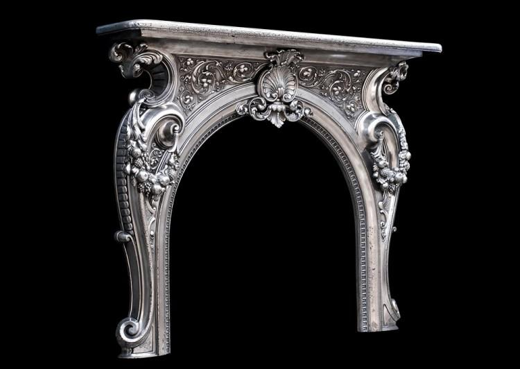 AN ORNATE 19TH CENTURY FRENCH CAST IRON FIREPLACE-Detail5