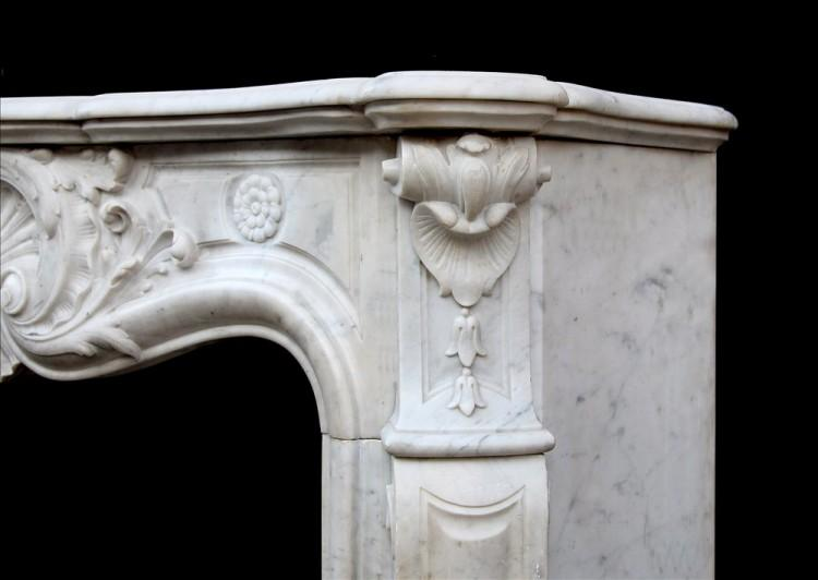 A FRENCH CARRARA MARBLE LOUIS XV STYLE FIREPLACE-Detail2