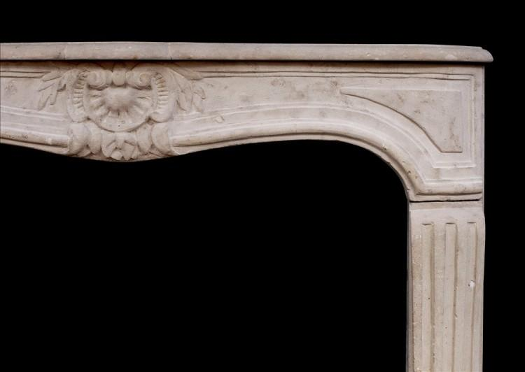 AN 18TH CENTURY FRENCH LOUIS XV LIMESTONE FIREPLACE-Detail2