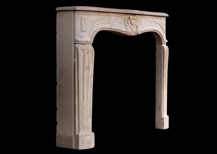 AN 18TH CENTURY FRENCH LOUIS XV LIMESTONE FIREPLACE-Detail3