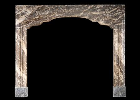 AN 18TH CENTURY GEORGIAN MARBLE FIREPLACE
