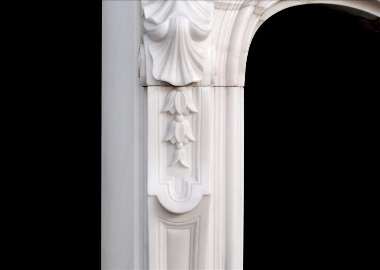 A 19TH CENTURY FRENCH LOUIS XV STYLE WHITE MARBLE FIREPLACE-Detail2