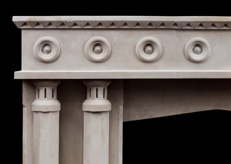 AN ENGLISH LIMESTONE FIREPLACE WITH A GOTHIC INFLUENCE-Detail2