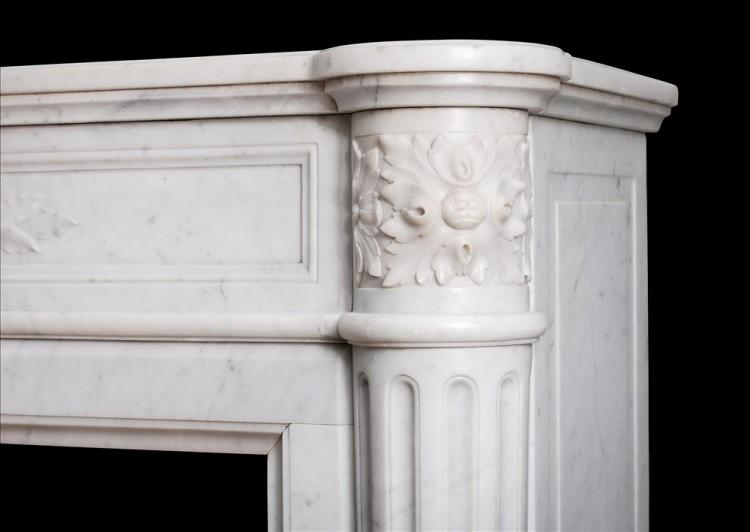 A 19TH CENTURY FRENCH LOUIS XVI STYLE MANTEL PIECE IN LIGHT CARRARA MARBLE-Detail3