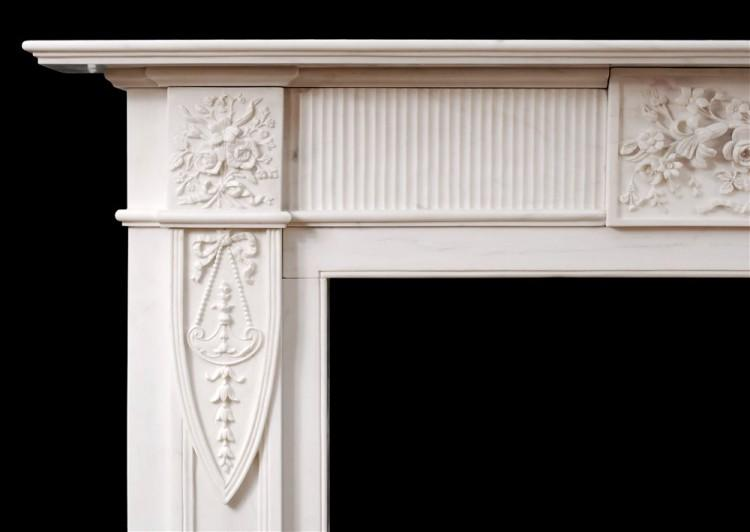 AN ENGLISH MARBLE FIREPLACE IN THE GEORGIAN STYLE-Detail2