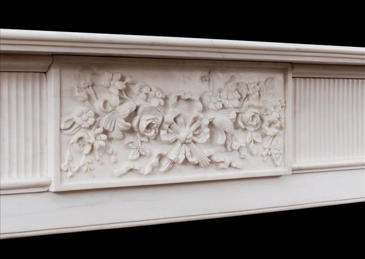 AN ENGLISH MARBLE FIREPLACE IN THE GEORGIAN STYLE-Detail3