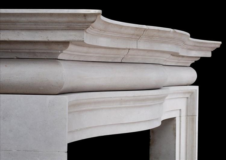 A LARGE AND IMPOSING ENGLISH PORTLAND STONE FIREPLACE-Detail3