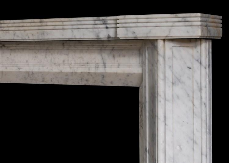 AN UNUSUAL ENGLISH CARRARA MARBLE FIREPLACE IN THE ART DECO STYLE-Detail2