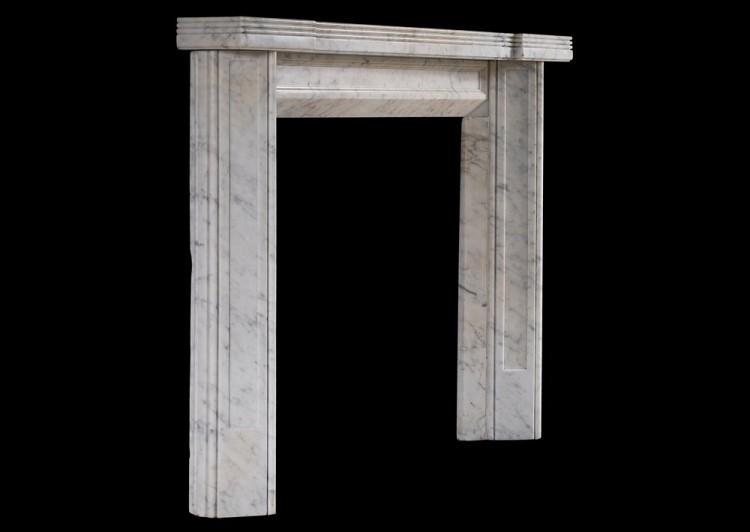AN UNUSUAL ENGLISH CARRARA MARBLE FIREPLACE IN THE ART DECO STYLE-Detail3