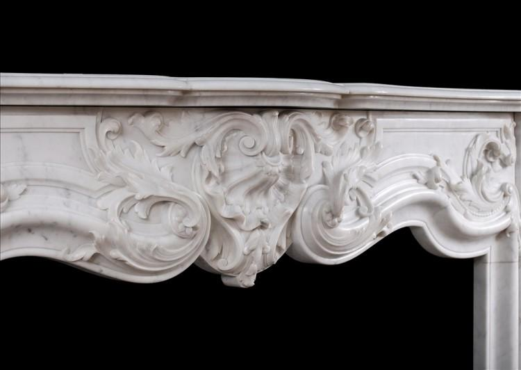 A FINE QUALITY FRENCH LOUIS XV STYLE MARBLE FIREPLACE IN CARRARA MARBLE-Detail3