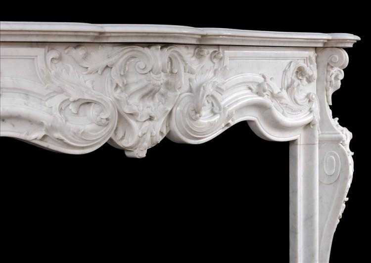 A FINE QUALITY FRENCH LOUIS XV STYLE MARBLE FIREPLACE IN CARRARA MARBLE-Detail4