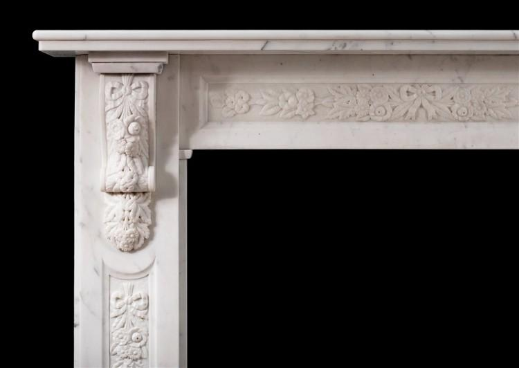 AN EARLY VICTORIAN ENGLISH STATUARY MARBLE FIREPLACE-Detail1
