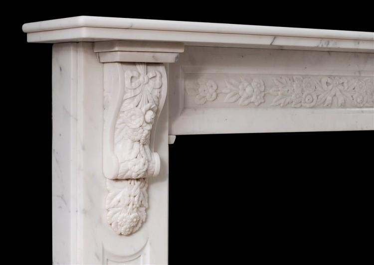 AN EARLY VICTORIAN ENGLISH STATUARY MARBLE FIREPLACE-Detail2