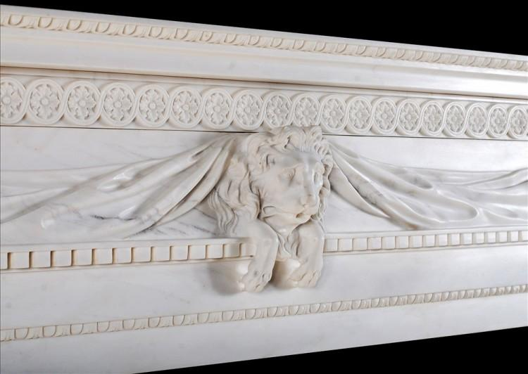 A WHITE MARBLE FIREPLACE WITH CARVED LION'S MASK-Detail3