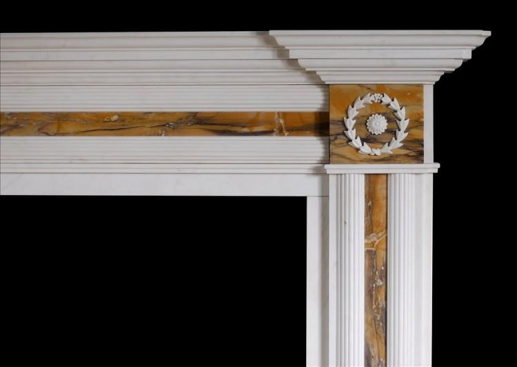 AN ENGLISH REGENCY STYLE FIREPLACE IN WHITE MARBLE WITH SIENA INLAY-Detail1