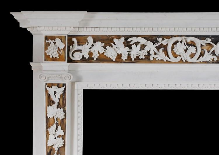 AN ENGLISH GEORGE II WHITE MARBLE FIREPLACE WITH SIENA INLAY-Detail1