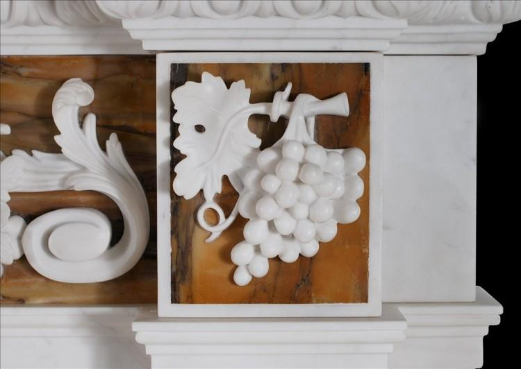 AN ENGLISH GEORGE II WHITE MARBLE FIREPLACE WITH SIENA INLAY-Detail3
