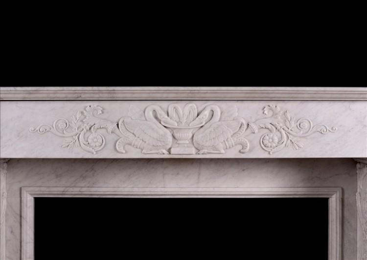 A 19TH CENTURY ITALIAN FIREPLACE IN CARRARA MARBLE-Detail2