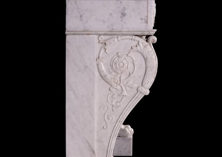 A 19TH CENTURY ITALIAN FIREPLACE IN CARRARA MARBLE-Detail3