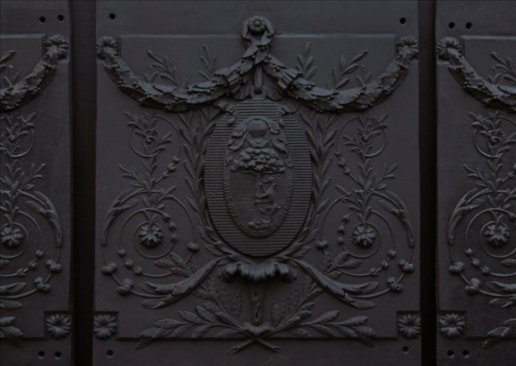 A SET OF THREE DECORATIVE CAST IRON FIREPLACE INTERIORS-Detail1