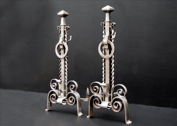 A PAIR OF UNUSUAL 19TH CENTURY ENGLISH STEEL FIREDOGS-Detail3