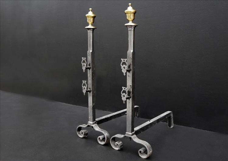 A PAIR OF POLISHED STEEL FIREDOGS WITH BRASS URN FINIALS-Detail2