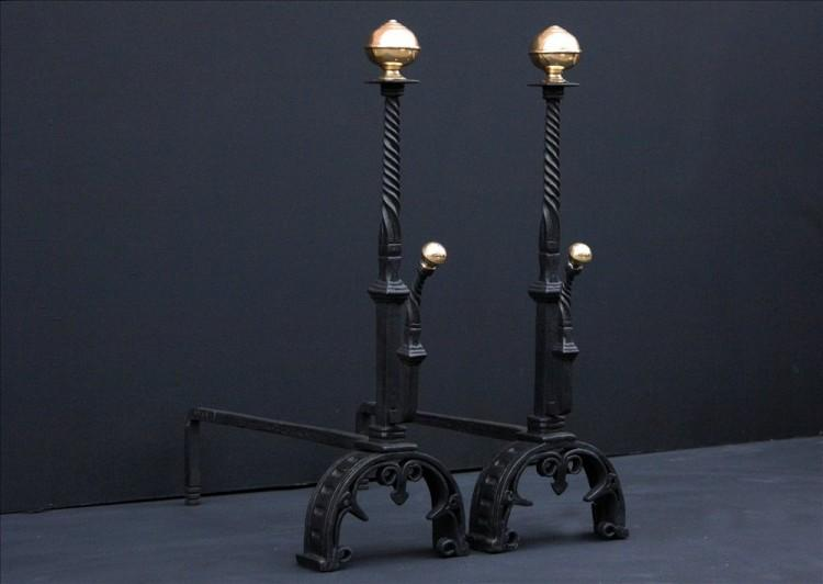 A PAIR OF WROUGHT IRON FIREDOGS WITH BARLEY TWIST SHAFTS-Detail4