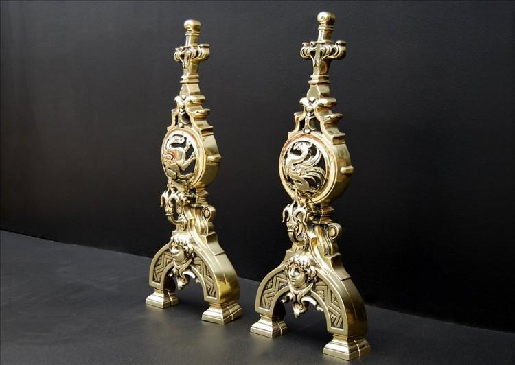 AN IMPRESSIVE PAIR OF FRENCH POLISHED BRASS FIREDOGS-Detail3