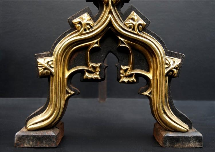 A PAIR OF GOTHIC REVIVAL FIREDOGS IN THE MANNER OF AUGUSTUS PUGIN-Detail2