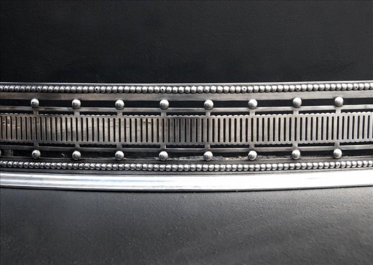 AN 18TH CENTURY STEEL SERPENTINE FENDER-Detail1