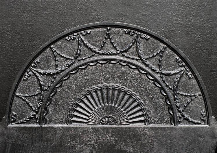 AN ENGLISH POLISHED CAST IRON FIREGRATE-Detail1