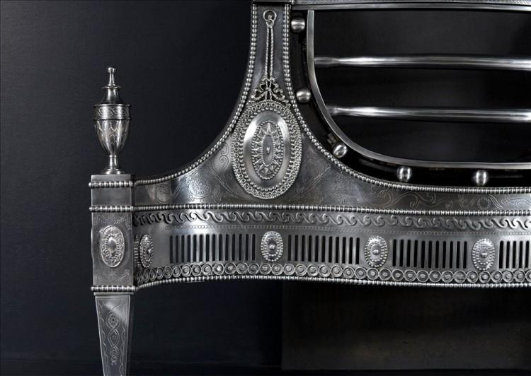 A LARGE AND IMPRESSIVE ENGRAVED ADAM STYLE STEEL FIREGRATE-Detail1